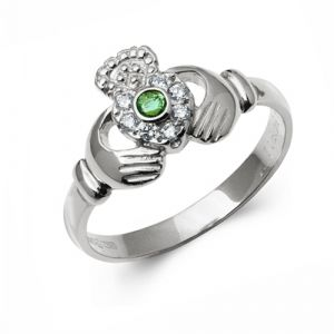 white-Gold-claddagh-ring-with-diamond-and-emerald