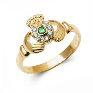 yellow-gold-claddagh-ring-with-diamond-and-emerald