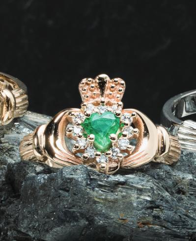 Cashel emerald Claddagh Ring